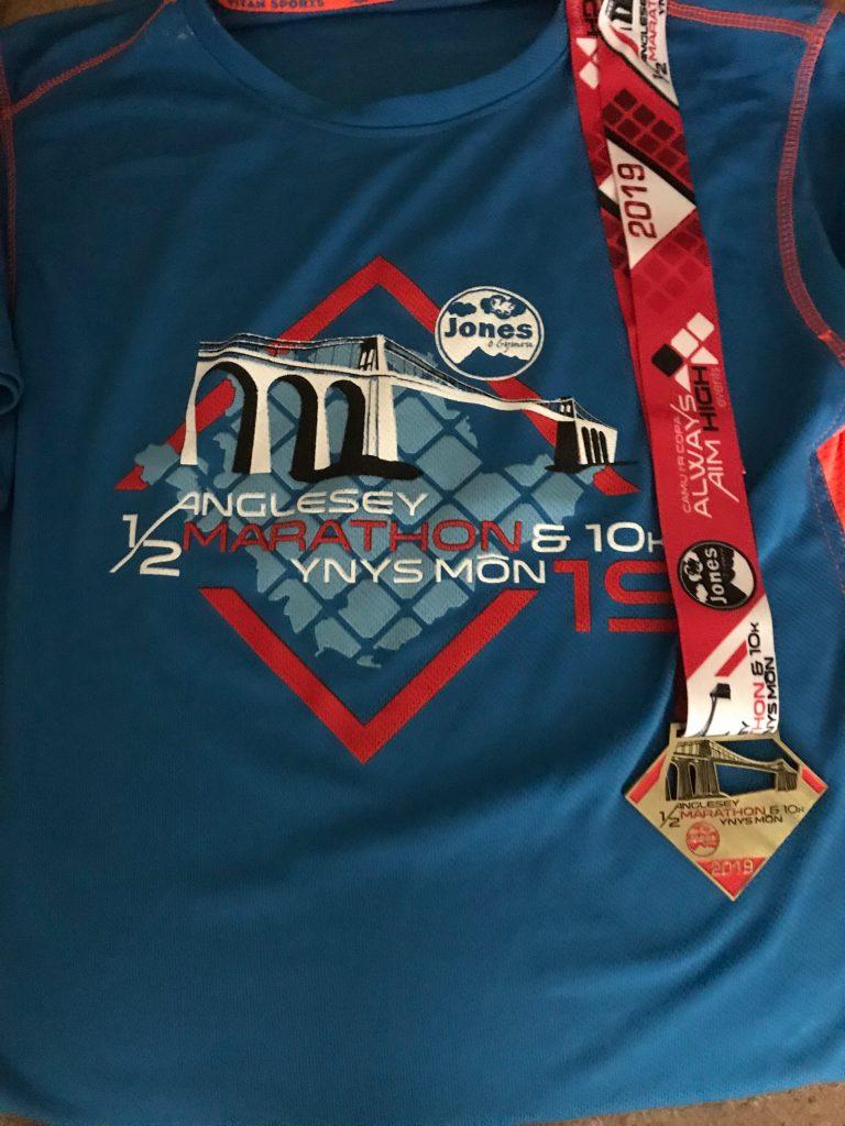 Anglesey Half Marathon 2019 tshirt and medal